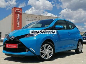 TOYOTA AYGO 1.0 70 XPLAY BUSINESS